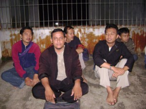 Nunggu Bis ( Mr. Kusyono, Mr. Sugiyanto, Mr. Eko kustri, Mr. Dedy and Ratno )